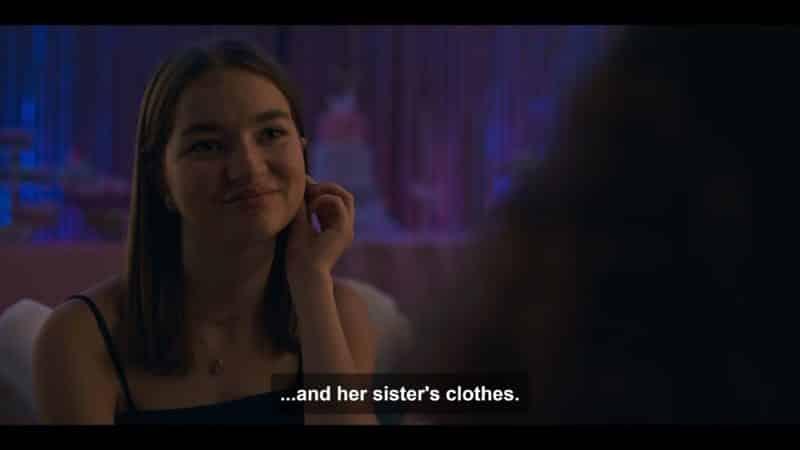 Rachel (Lola Blackman) at her sister's bat mitzvah.