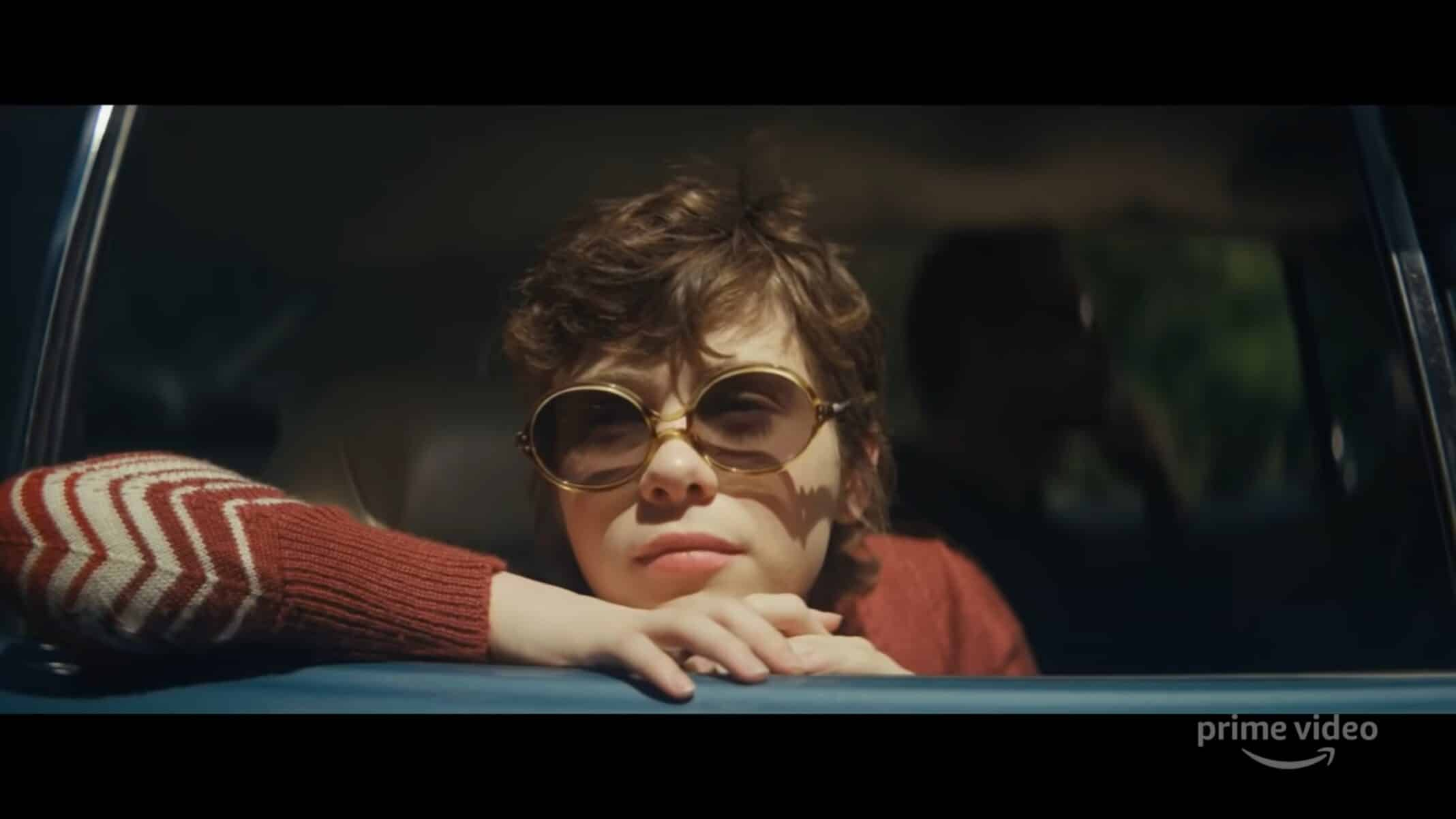 Betty (Sophia Lillis) in her uncle's car