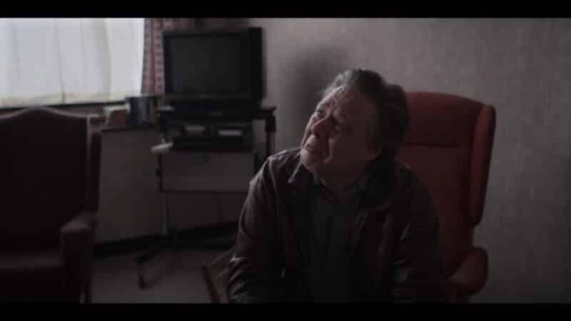 Clive (Shaun Dooley) crying