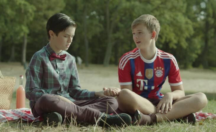 Lolo (Zev Starrett) and Max (Valentin Von Schonburg) having a date outside