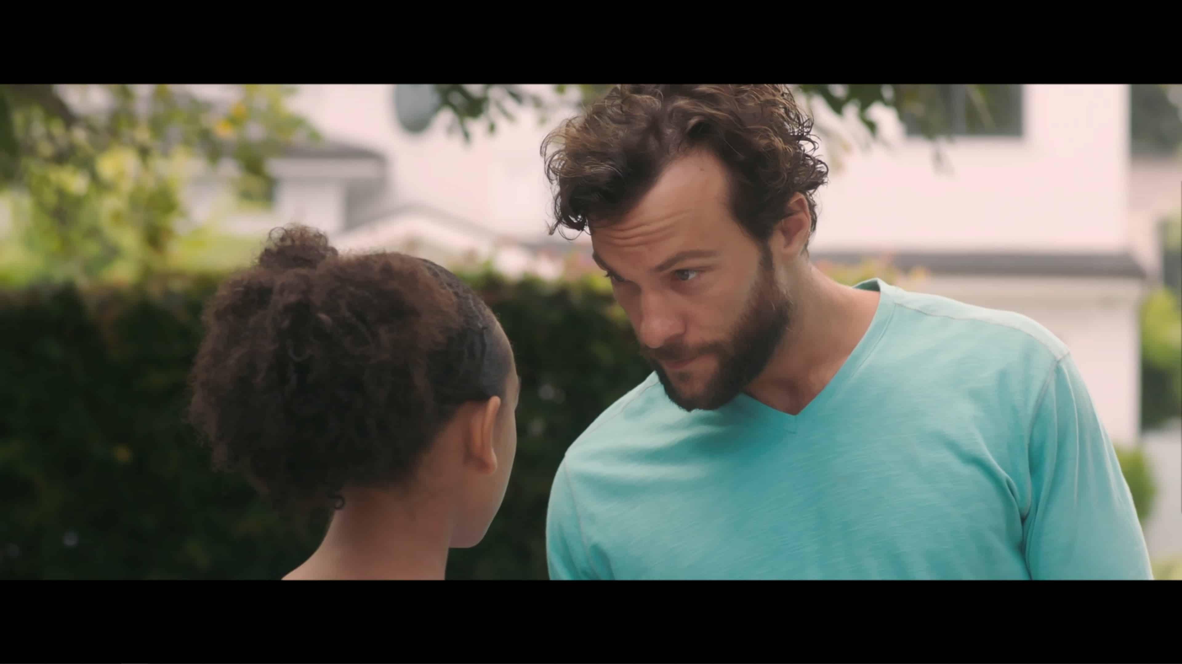 Max (Kyle Schmid) talking to Jillian