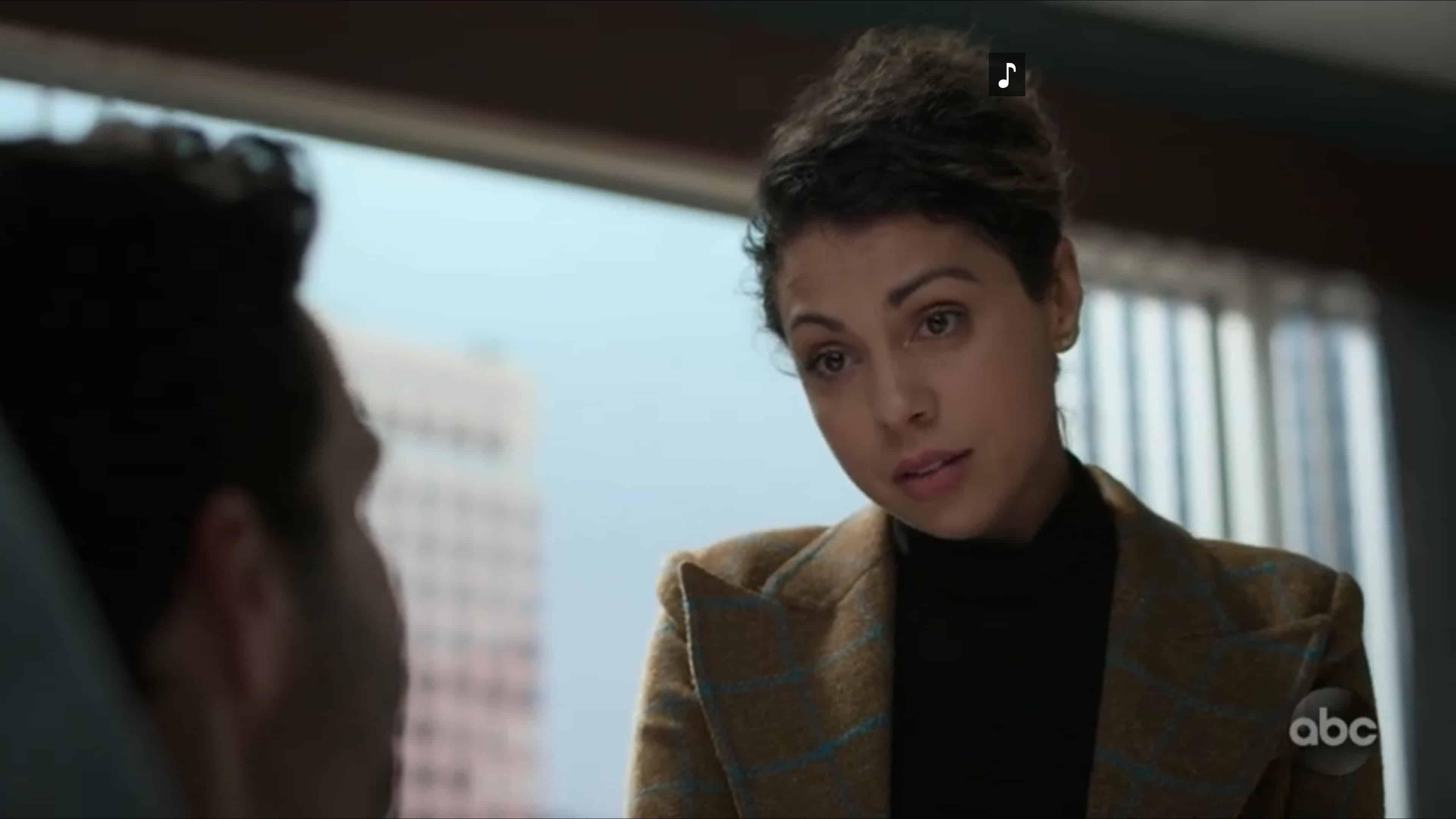 Sophie (Jess Salgueiro) talking to Wyatt