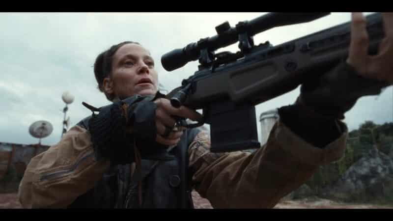 Amena (Jeanette Hain) ready to shoot Moses