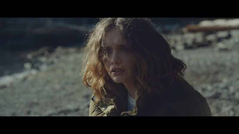 Emma (Olivia Cooke) on the beach