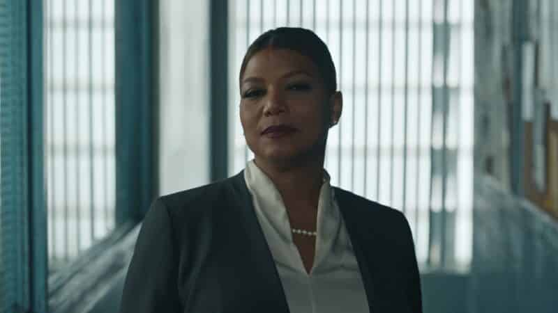 Robyn McCall (Queen Latifah) masquerading as a public defender