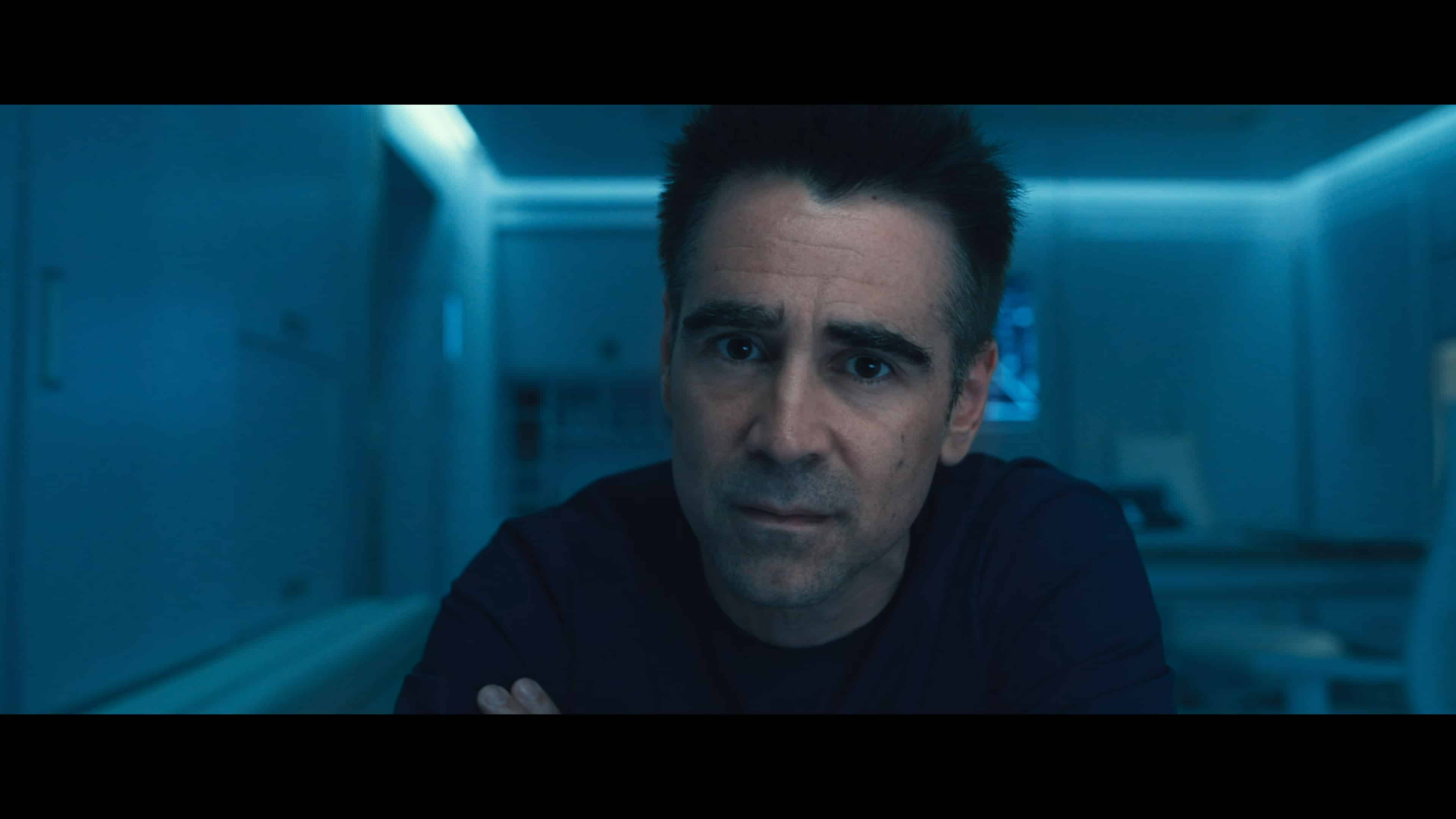 Richard (Colin Farrell) in the movie Voyager