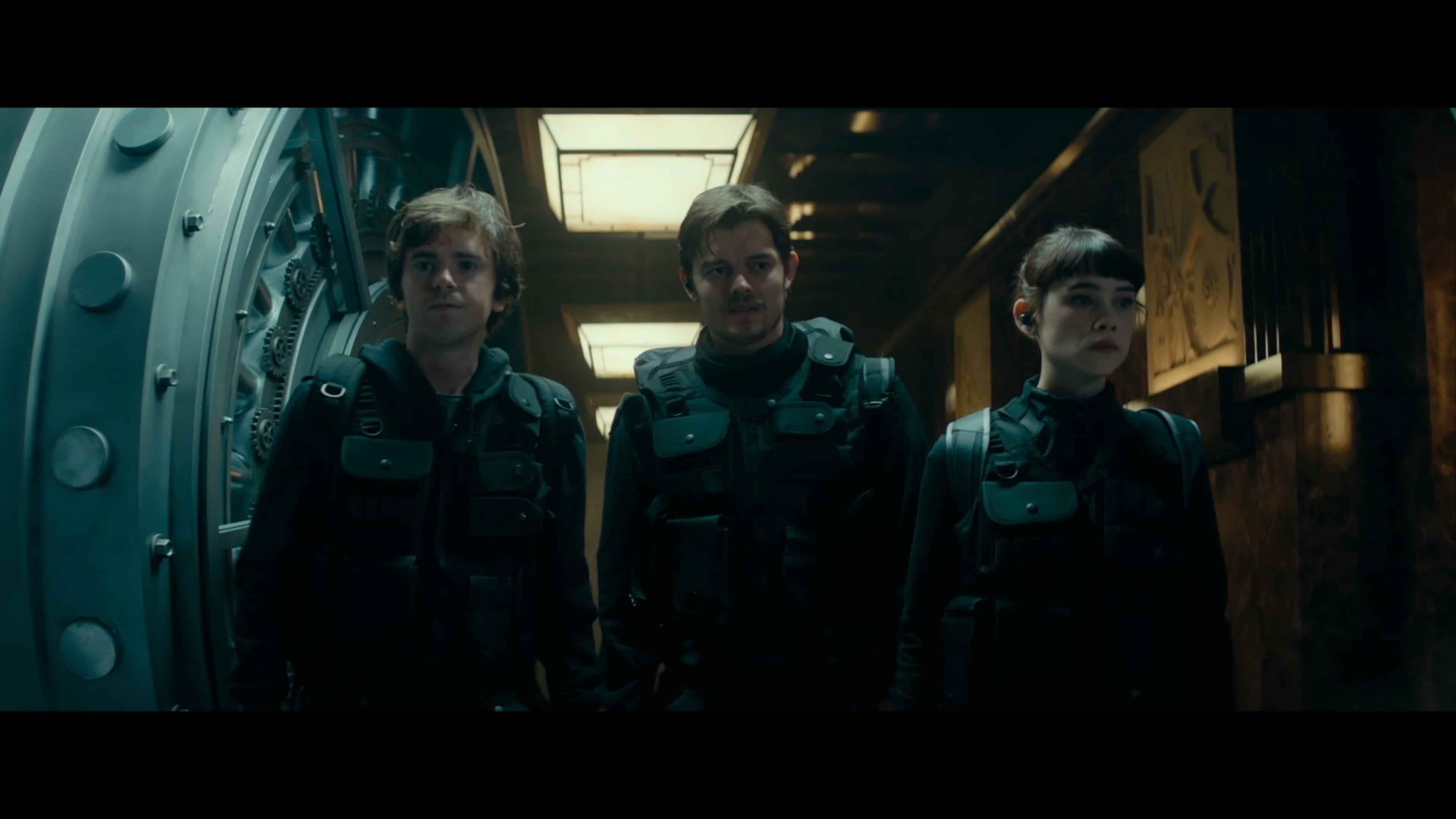 Thomas (Freddie Highmore), James (Sam Riley) and Lorraine (Astrid Berges-Frisbey) making their way to the vault