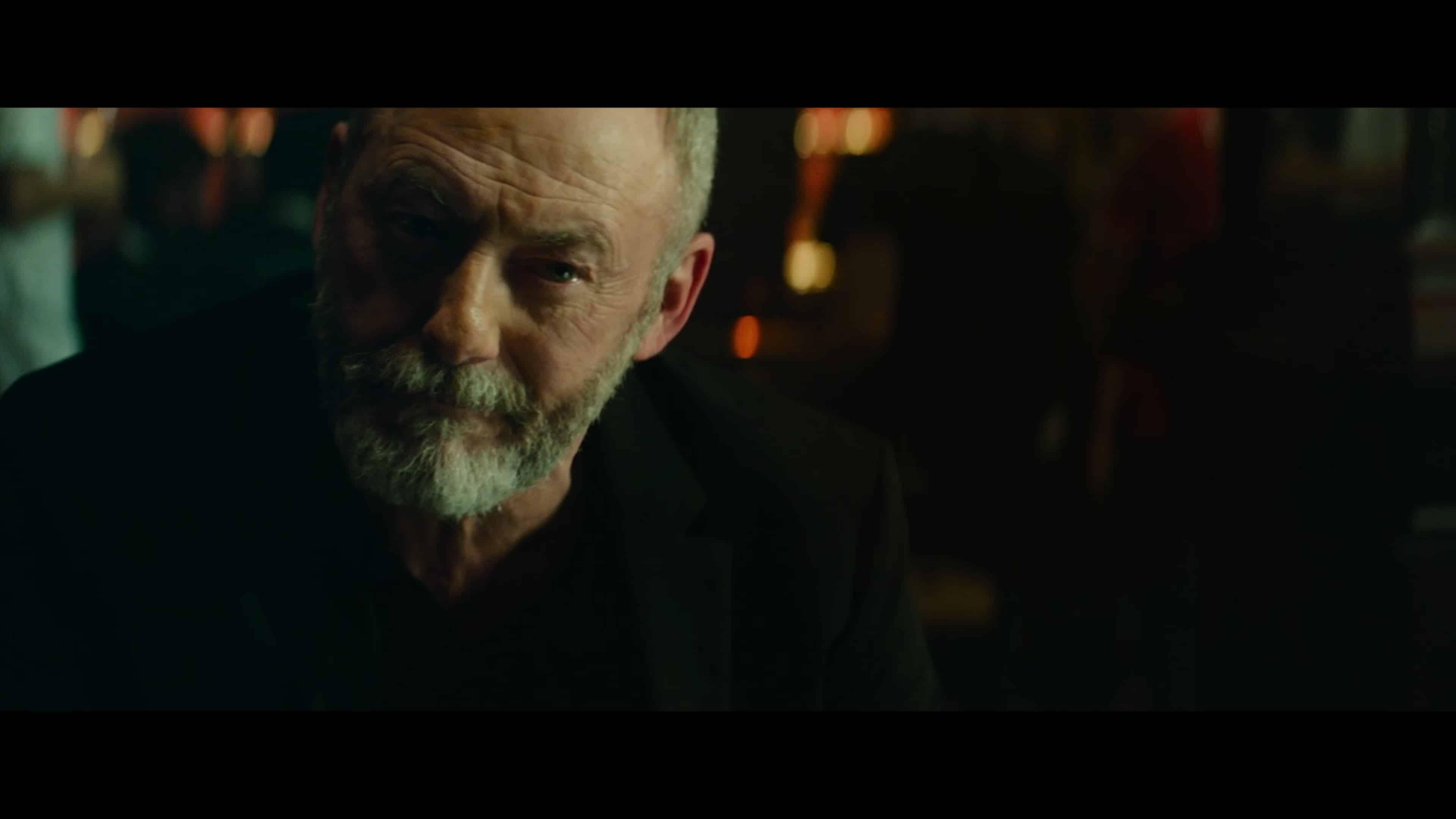 Walter (Liam Cinningham) talking to Thomas