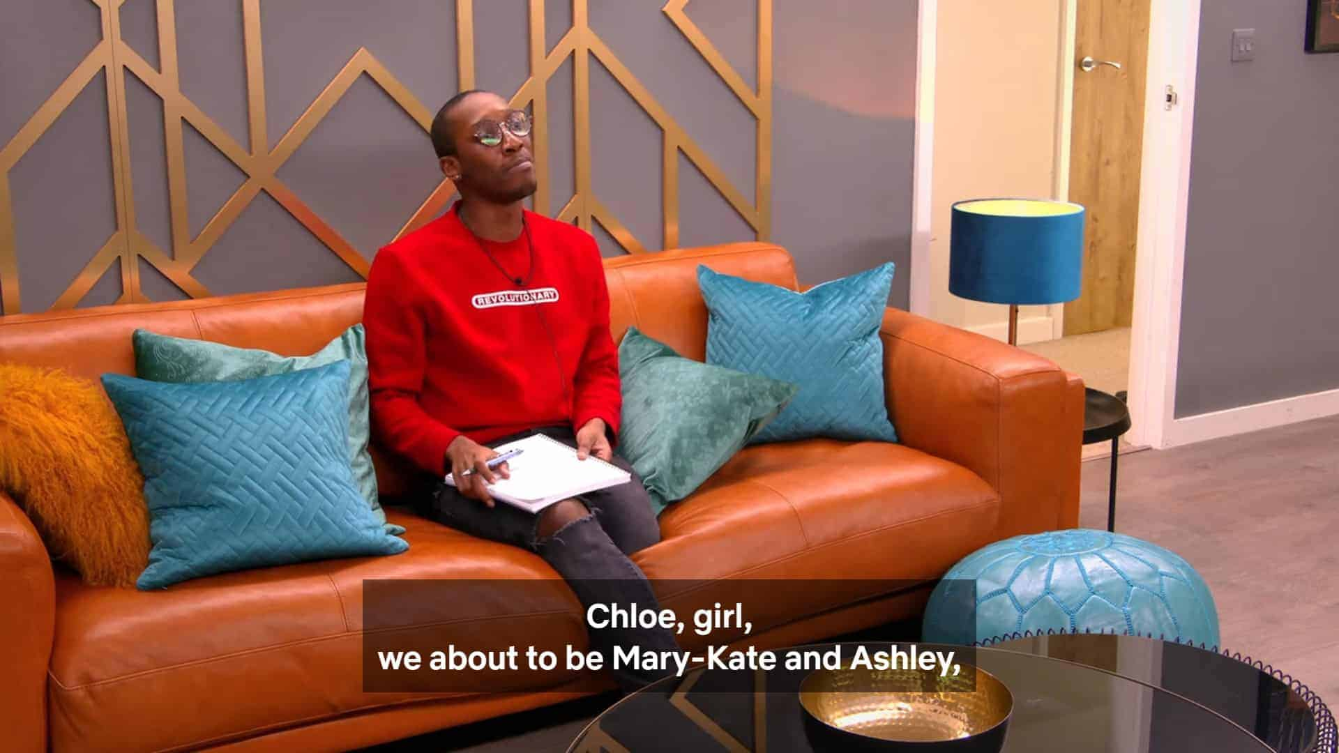 Courtney making a Mary Kate & Ashley reference
