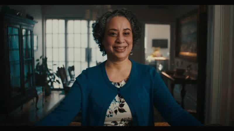 Ms. Reyes (Susanna Guzman), the kids' teacher