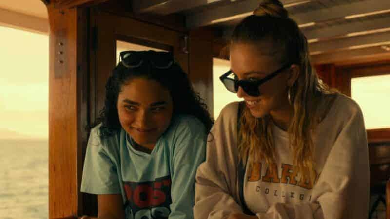 Paula (Brittany O'Grady) and Olivia (Sydney Sweeney) making fun of people