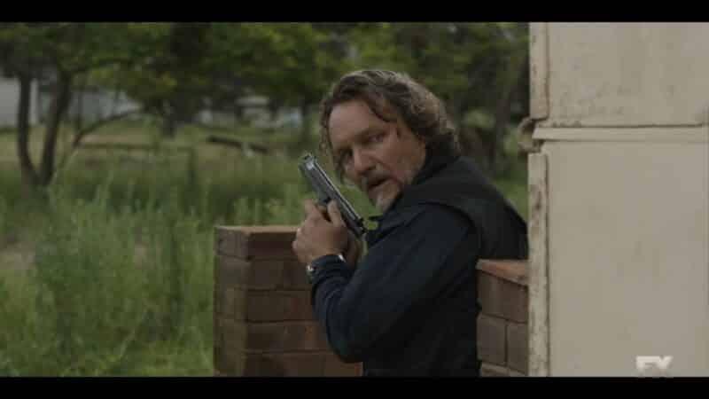 Rafael hunting Ray