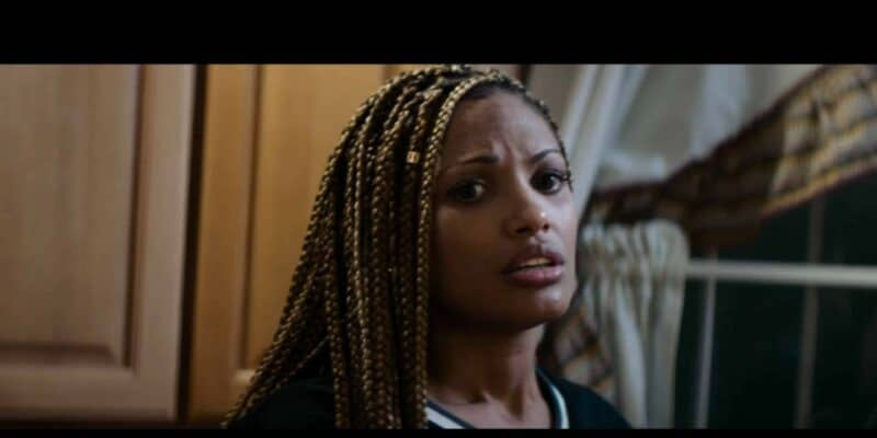 Makeda (K.D. Aubert) talking to Avery about Shelby's dad