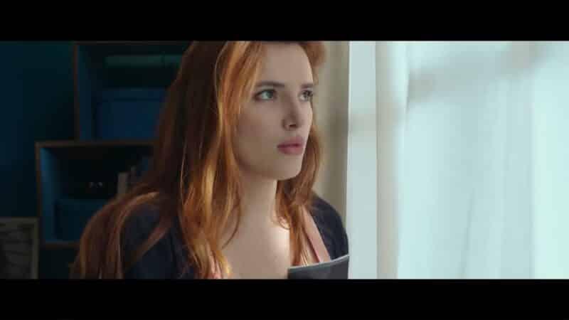 Vivien (Bella Thorne) after she loses her memories